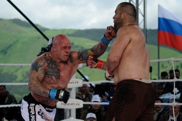 Magomed Malikov vs Jeff Monson, M-1 Challenge 40