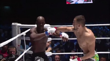 Albert Duraev vs Xavier Foupa-Pokam, M-1 Global: Fedor vs Monson